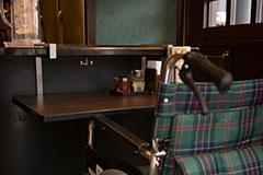 就算是坐轮椅的人也不会觉得狭窄!任何人都可以尽享拉面美味的无障碍式空间便是立川屋